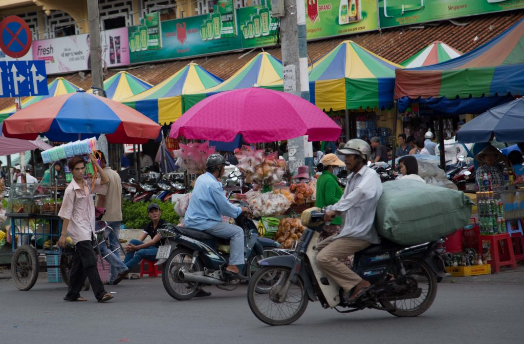 If you go on the city full tour, you will go to a local market to see how things are sold and how people make bargain